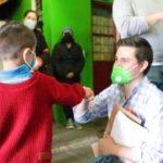 Instancia de la Juventud repartió juguetes en colonias de Tulancingo
