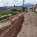 Gobierno municipal destinó motoconformadora y recurso humano para rehabilitación del camino de acceso a rincones de la hacienda
